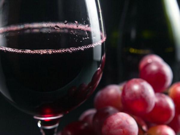 Как избавиться от кашля при помощи красного горячего вина