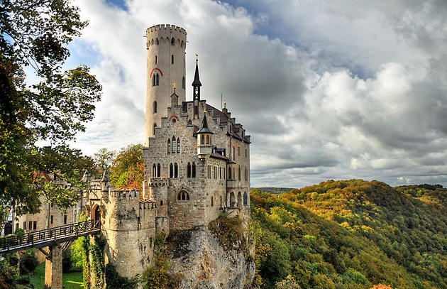 stuttgart-germany-lihtenstein-castle-imigo