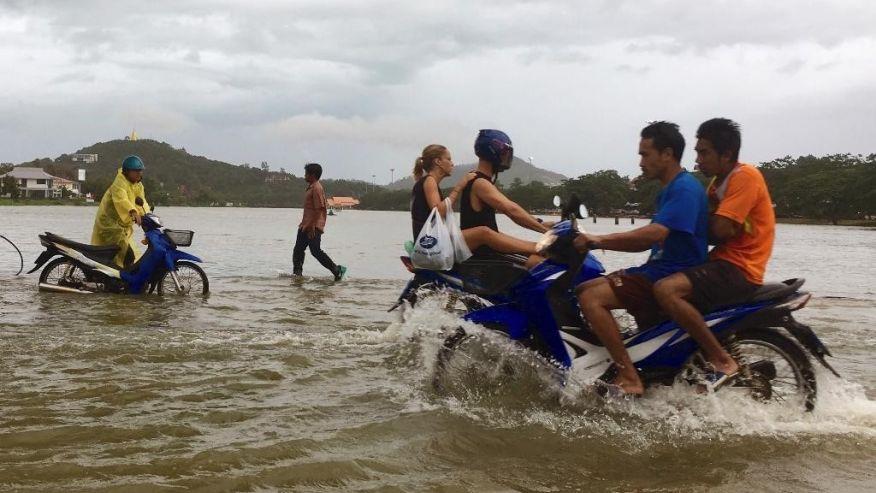 Наводнения забрали жизни 25 человек