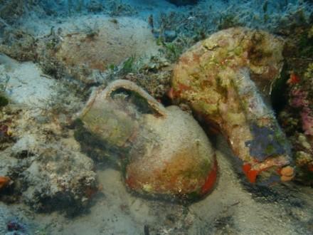 Уникальная находка археологов у берегов Майорки затонувший корабль с амфорами