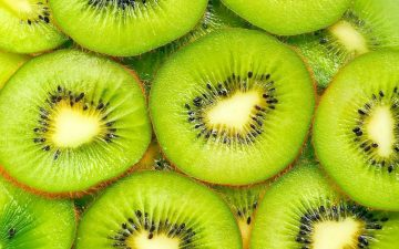 Киви: используем фрукт для красоты
