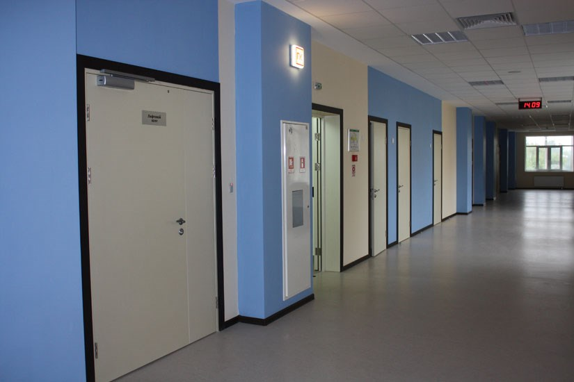 двери для школы от производителя